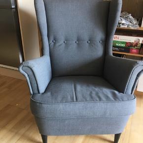 Jeg sælger denne super behagelige STRANDMON lænestol fra IKEA.