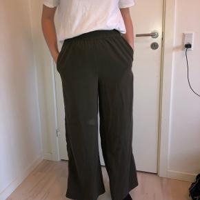 Vildt fede army grøne bukser - sælges kun da jeg ikke får dem brugt nok✨