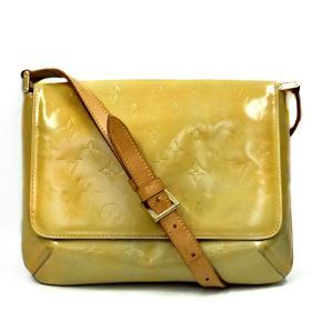 Har generel misfarve/skræmmer udenpå tasken, især under flappen.  Mål: 28x19x9cm  Skriv endelig ang. mere info.  No. 2807