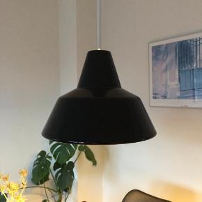 Retro Louis Poulsen værkstedslampe i flot stand. Sælges uden fatning og ledning