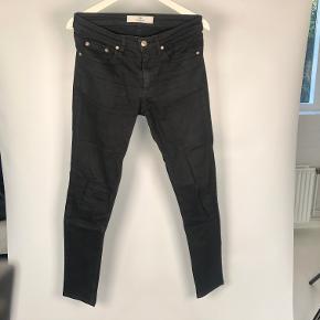 Str 31/32 Model: Shady A Stay Black Sorte slim fit Jeans fra Won Hundred