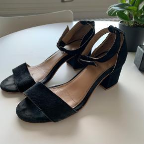 Modström heels