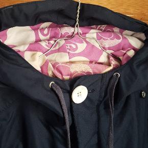 Flotteste jakke fra Danefæ med smukt for. Lidt beskidt ved nakken og en løs knap ellers perfekt  #30dayssellout