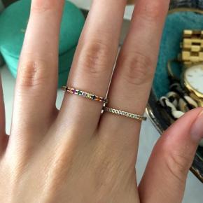 Super smukke ringe fra Månesten/Maanesten og ID fine, Sandra Willers kollektion💗Ringene har jeg fået i julegave 2018, så de er brugt et par måneder, men stadig super flotte. Begge ringe er guld, stenene i dem fejler intet🌸 BYD!✨