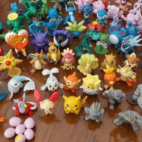 Varetype: pokemon Størrelse: 2-4cm Farve: flere farver  48 stk Pokemon figurer alle forskellige ca 2-4 cm store og 1 stk Pokemon Ball og en stor Pikcahu figurer  PRISEN ER MED FRAGT