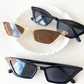 Hentes på Islands Brygge eller sendes med Postnord for 10 DKK på eget ansvar✨💌  Kun to par sorte tilbage!  Cateye solbriller sunnies