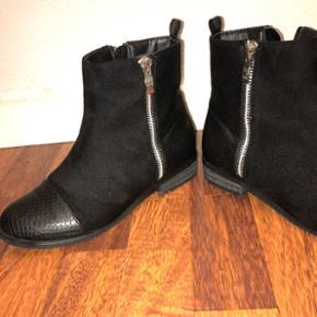 Sorte støvler