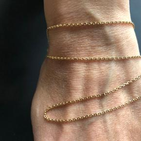 Anker facet kæde i 8kt Måler 50cm Trådtykkelse/bredde  0,40 / 1,3 mm Kender ikke vægten Den er ubrugt, fremstår som ny Bytter ikke