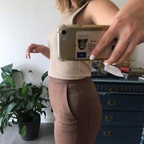 Fine brune business bukser fra Mango, købt gennem Na-kd