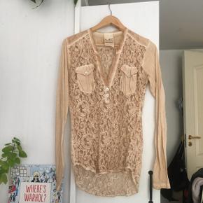 Blonde skjorte fra AJ.117 project