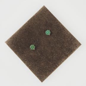 Øreringe  Materiale: ægte sølv - har stempler  Pris: 30kr + 10kr (PostNord) eller 33kr (DAO) - du bestemmer  Betaling via MobilePay   Tjek mine andre annoncer 🙂