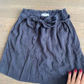 Fin basic nederdel