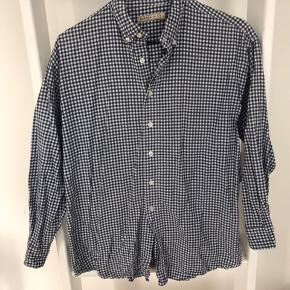 Smuk vintage skovmandskjorte fra Emma & Co.   Byd endelig 😊 Deler gerne fragten hvis der købes mere end 1 ting 🥳