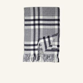 Canada Check Scarf fra Acne Studios 100% virgin uld Hvid og navy/sort med frynser Mål: 200x70. #trendsalesfund