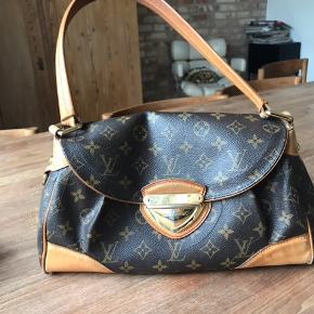 Super fin Louis Vuitton taske. Stadig i super god stand. Sælger den da jeg ikke får den brugt nok. Kom Med et bud