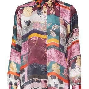 Smukkeste Silke skjorte