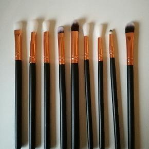 Makeup børster. Er aldrig brugt.