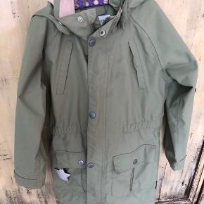 Fin overgangs jakke, halv lang taljeret model