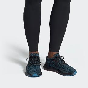 Neutral letvægts løbesko fra Adidas, model Pureboost Go LTD.  Helt ny, ubrugt i original æske.  Sender gerne hvis du betaler fragten.  Se også mine andre annoncer.