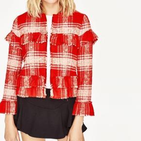 Billedet er ikke mit.  Sælger denne fede zara jakke, der udsolgt og udgået alle steder. 😊 Brugt den højst 2 gange, den er som ny. Og sælges kun da jeg har for mange jakkere.. Nypris's er 600. Byd en fair pris, så finder vi ud af noget;)