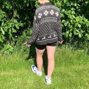 Cecilia Classic  sweater