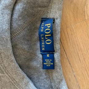 Ny Ralph lauren Sweater i str. M, købt i USA. Sælges da den desværre er for lille :(