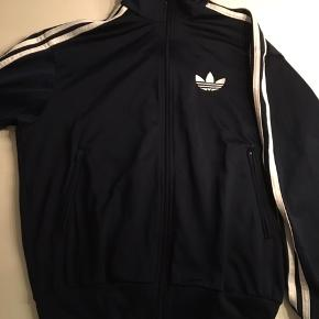 Rigtig fed Adidas zip up tracksuit bluse. Str. Small