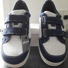 New Feet sneakers