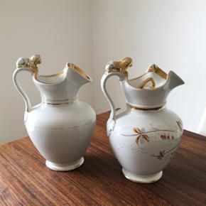 To skønne retro kander med en slags guldbelægning har brugs spor guld slidt af- ukendt mærke Kan bruges som vase Højde 24cm Begge to for 135 kr