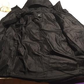 Lækker stor vinter jakke, tag den for 500kr skriv Pb for mere info:)