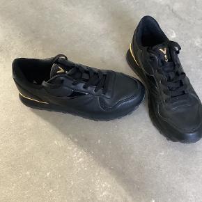 VTY sneakers