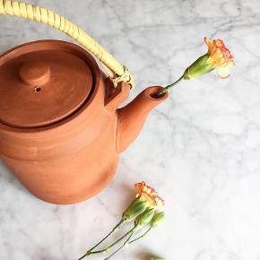 Skøn japansk-klingende tekande / Clay Teapot 🍵 // 250,- Afhentes i Valby eller afsendes for 49,-.