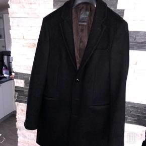 Trendy Zara frakke str L.Den er i rigtig god stand.