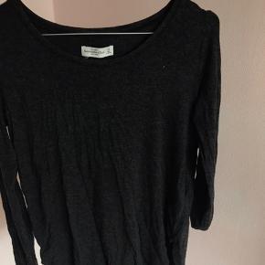 Super lækker langærmet trøje fra Abercrombie 💞 Køber betaler fragt