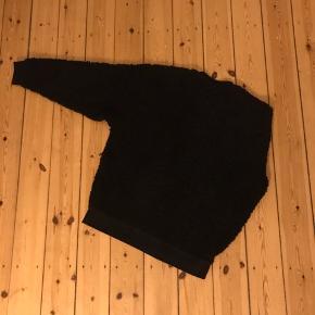 Dejlig varm sweater fra Asos i sherpa (bomuldsfleece) 🌼
