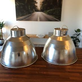 300 for begge lamper. De skal afhentes i 7830 vinderup.
