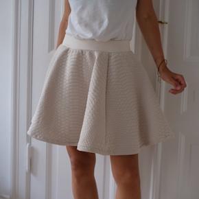 Weekday nederdel