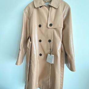 Marella glossy trench coat Beige With belt New with tags Sise XS (IT 38), but fits nicely to size S as well  Also please take a look at my other items from Birger Christensen, Max Mara, Massimo Dutti, Isabel Marant, H&M Studio Collection, Gestuz, Ganni, Acne Studios etc.