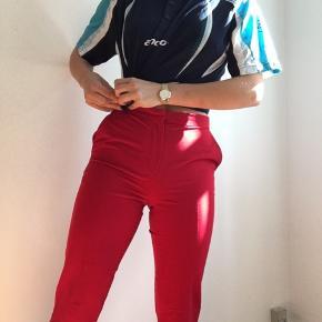 røde bukser med pressefolder, aldrig brugt