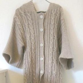 Mærke: Part Two  Str. S Lang varm cardigan Farve: Creme / lysebrun  Tyk striktrøje Strik Trøje Sweater