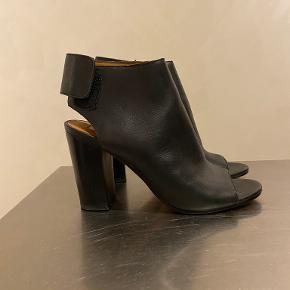 Whistles heels