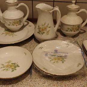 Flot gammelt stel bing og Grøndal. Kopper under kopper, fade, the kander sukker skål med og uden låg. Sender ikke kom med et bud