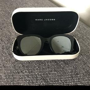 Super fede solbriller fra Marc Jacobs. Fejler intet. Byd