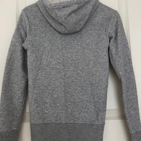 Adidas hoodie, næsten ikke brugt🧸