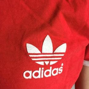 Adidas t-shirt Størrelse 38 - ses på en S God stand