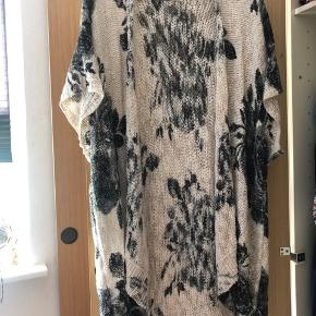 Abercrombie and Fitch cardigan Brugt 2-3 gange  Str onesize  100 kr