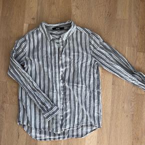 Bik Bok skjorte