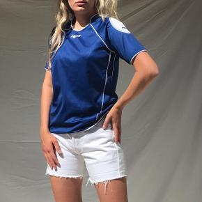 Cool vintage t-shirt fra H2O 🌸 fitter Xs