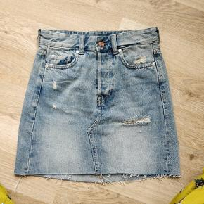 Basic jean skirt 🌼 Skinny fit. In perfect condition.