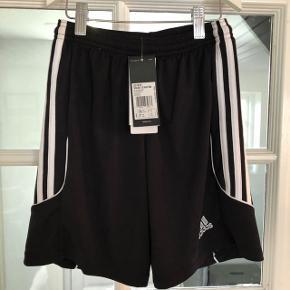 Fede shorts, Nye m. mærke